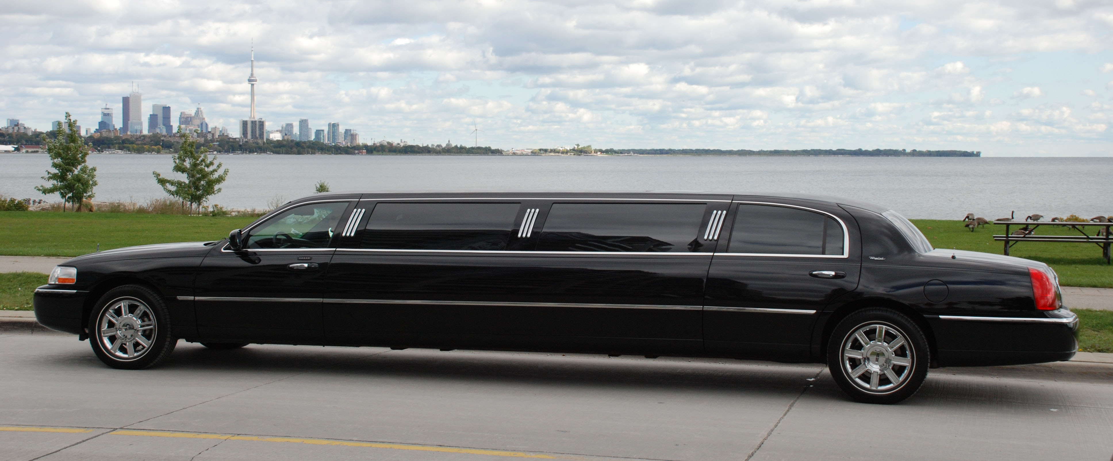 Limousine: Everything Is More Pimp When Stretched, Even A Tesla!