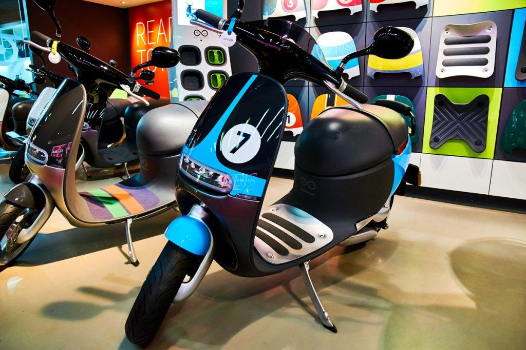 Gogoro Smartscooter EV Moped